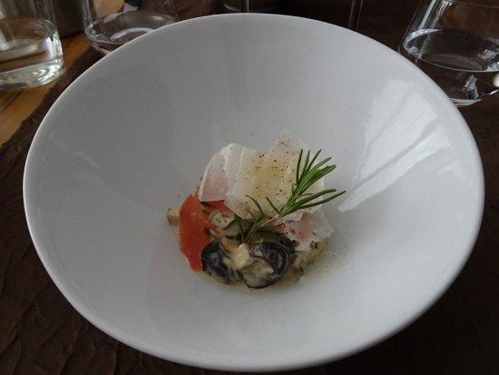 Briare, ฝรั่งเศส: escargots de Bourgogne à la crème et parmesan