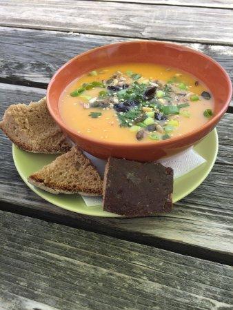 Dietzenbach, Alemania: Orientalische Karottensuppe & Grüne-Bohnen-Suppe