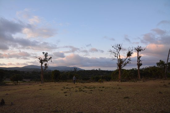 Maralal, Kenya: Beautiful landscapes, peaceful sunsets while the dinner was being prepared for us!