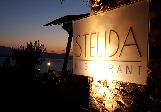Agios Prokopios, Hellas: Romantic Naxos Stelida Restaurant with view to the sunset and Paros island