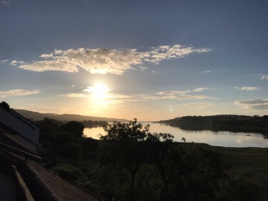 Kingsteignton, UK: Sunrise from Balcony Room