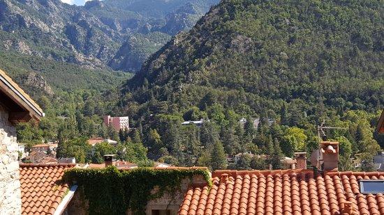 Vernet-Les-Bains, Francia: Les THERMES dans Vernet au bas des Pyrénées et surtout au pied du Canigou