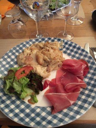 Aurillac, Francia: Truffade et jambon de pays
