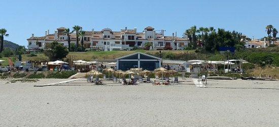Alcaidesa, Spagna: Vista desde la playa