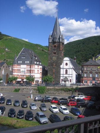 Mosel Valley: View from the bridge of Bernkastel