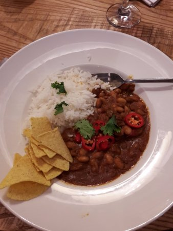 Cockermouth, UK: Beans, rice & stale nachos (supposed to be Mexican Beef Chilli)