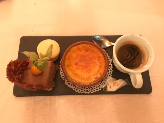 Champagnole, France : Café gourmand