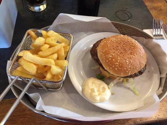 Perwez, Belgique : Classic Burger.