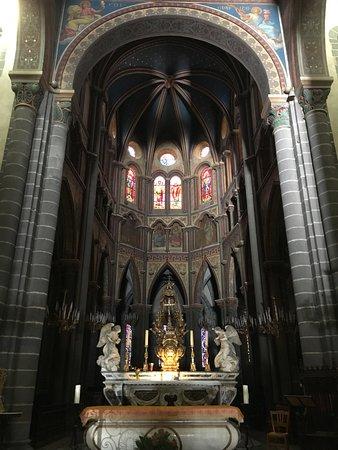 Riom, Fransa: L'autel et le choeur