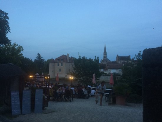 Montmorillon, France: photo0.jpg