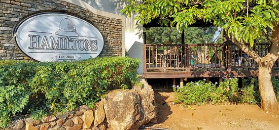 Malelane, South Africa: Welcome to Hamiltons Lodge & Restaurant
