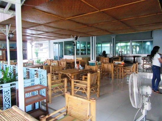 Convenient Resort: 朝食レストラン