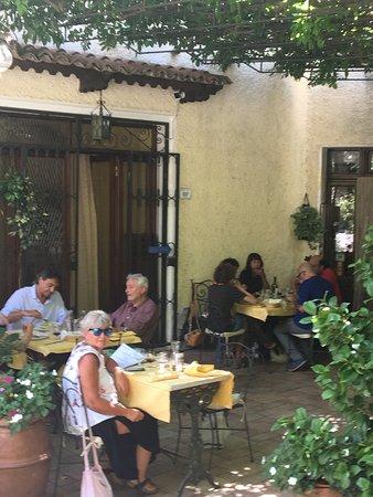 Roccalbegna, Italia: Eccellente posto tranquillo e si mangia benissimo