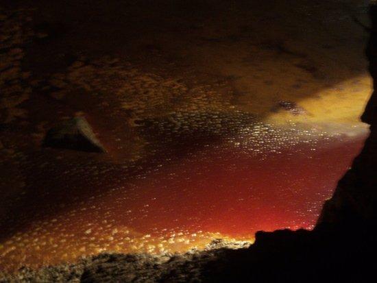 Region of Murcia, Spain: Dentro de la mina podrás ver el Lago de color ROJO por el recopilado del mineral ¡Espectacular!
