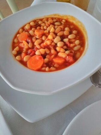 Donousa, Greece: zuppa di fagioli