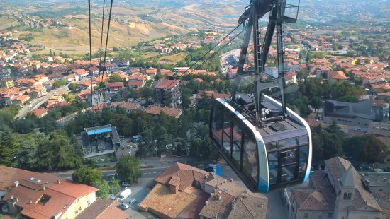 Borgo Maggiore, San Marino: On the way up