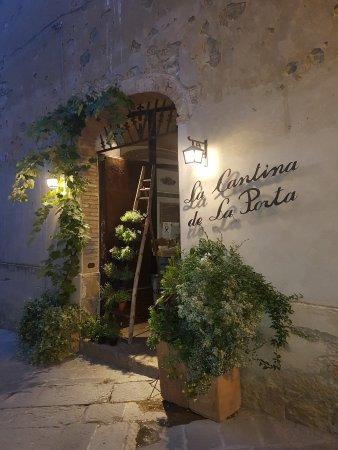 Monticchiello, Italy: Wejście