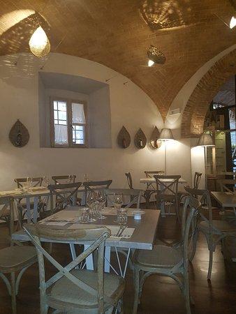 Monticchiello, Italy: wnętrze restauracji