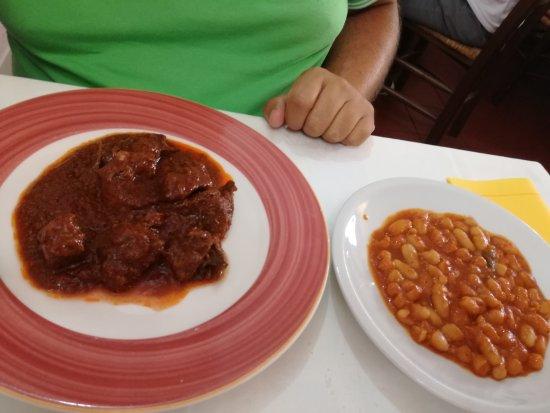 Tirli, Itália: Ottimo cibo coccolati come a casa simpatia cordialità. Tappa obbligata per noi !!! Grande Vincen