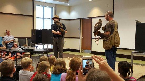 ดาห์โลนีกา, จอร์เจีย: Georgia Mountain Falconry Education Program