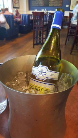 Westerly, RI : WE BROUGHT OUIR OWN WINE ON THIS NIGHT. GREAT ICE BUCKET.