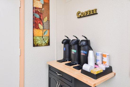 New Philadelphia, Ohio: Coffee Service