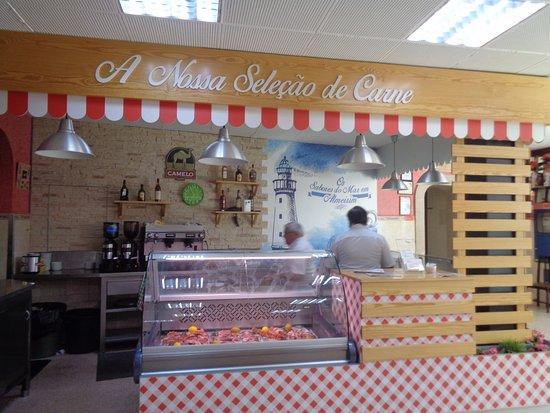 Almeirim, Portugal: Parte interior do restaurante