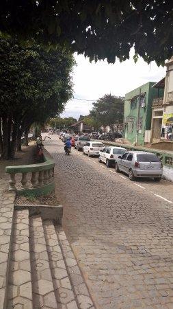 Rua no centro de Muqui