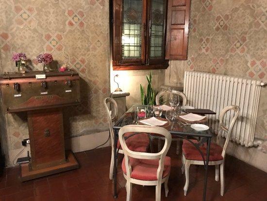 Villa Campestri Olive Oil Resort: Particolare della sala