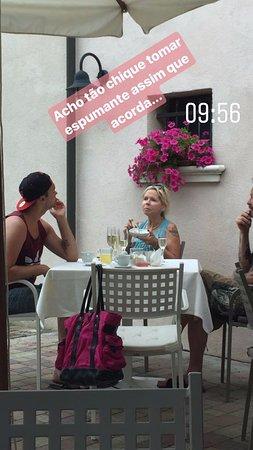 Quarto D'Altino, Italia: Café da manhã com direito a espumante!