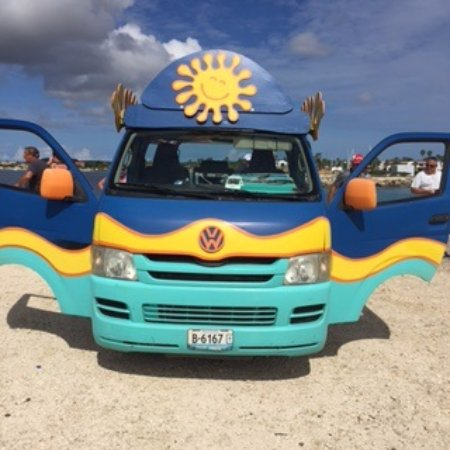 Kralendijk, Bonaire: Since the car is open you always have kind of air-condition