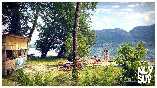 Sevrier, France: Un cadre idyllique au bord du lac d'Annecy