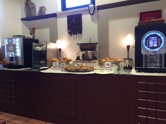 Etruscan Chocohotel: Buffet