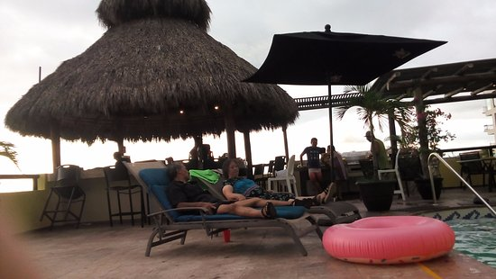 Andales on the Bay: palapa al mar