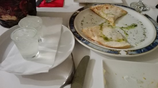 Por Babor: pizza provolone