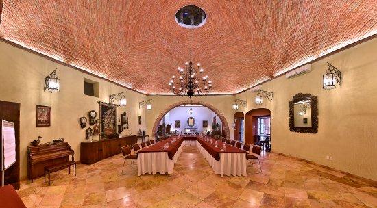 Salón González Ulloa.