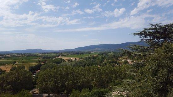 Ansouis, Frankrig: Vue qu'offre la première terrasse
