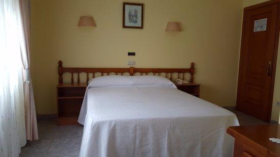 La Costera: Habitación doble, Una cama, Superficie de la habitación: 14 m²  vista jardín