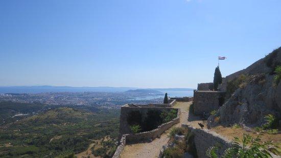 Klis, Kroatia: Great views towards Split