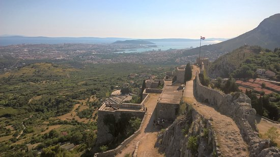 Klis, Kroatia: You can see Slavers Bay in the distance ;)