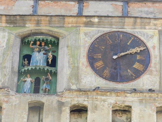 Torre del Reloj: L'orologio con le marionette
