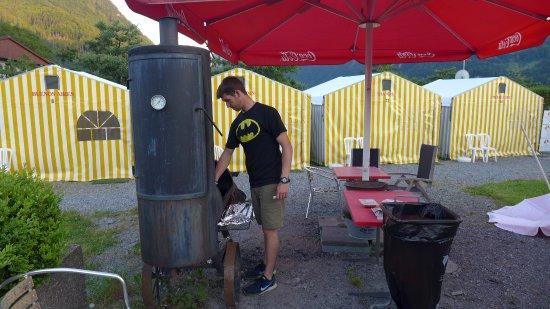 Matten bei Interlaken, Switzerland: Grilling our dinner at Tent Village