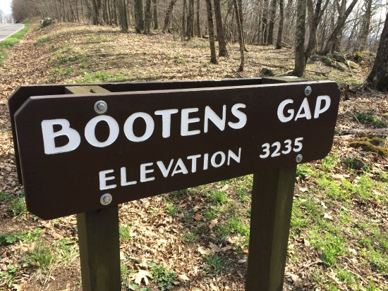 Shenandoah National Park, VA: Bootens Gap, Elevation 3235