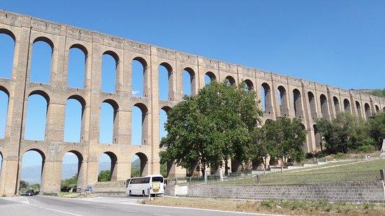 Ponti della Valle - Acquedotto Carolino