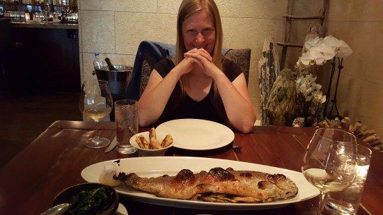 Los Gatos, Kalifornien: Wat een lekker visje! (Een perfect gebakken zalmforel.)