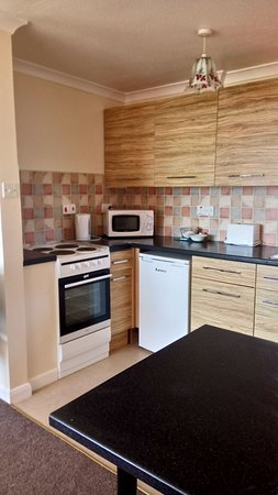 Seaview Holiday Village: Very clean kitchen.