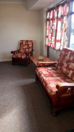 Seaview Holiday Village: comfortable lounge.