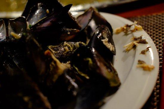 Muline, Croacia: Mussels with beards.