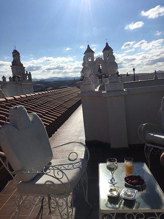 El Hotel de Su Merced: les petits espaces (salons de jardin) sur les toits