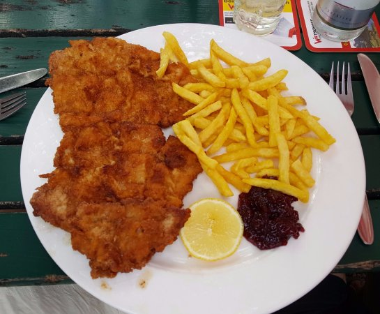 Ebenau, Østerrike: Great pork schnitzel.